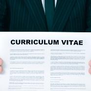 Kłamstwa w CV – czego dotyczą i jak je wykryć?