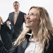 Dlaczego warto doceniać pracowników? I jak to skutecznie robić?